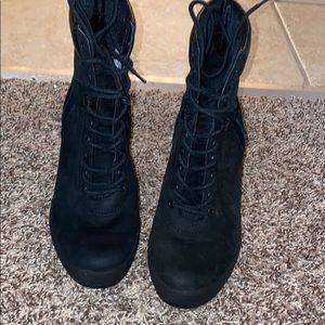 All black timberlands heel boots